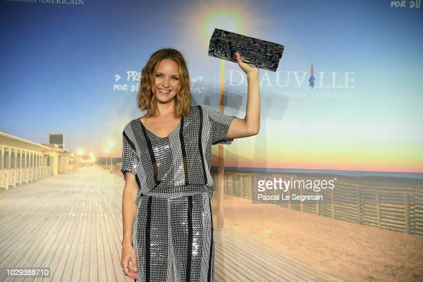 Jury Prize winner of the 44th Deauville American Film Festival Jordana Spiro for Night comes on poses during the Jury Award Winners Photocall on...
