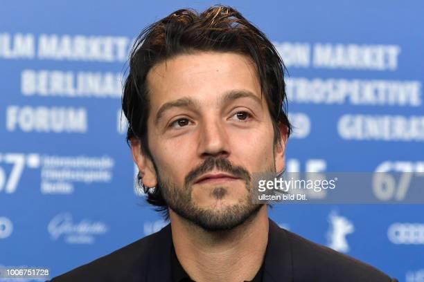 Jurymitglied Diego Luna anlässlich der Pressekonferenz der Jury der 67 Berlinale
