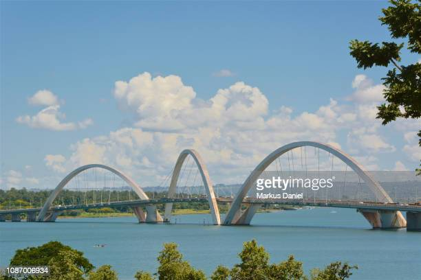juscelino kubitschek bridge (ponte jk or also called terceira ponte) - distrito federal brasilia stock pictures, royalty-free photos & images