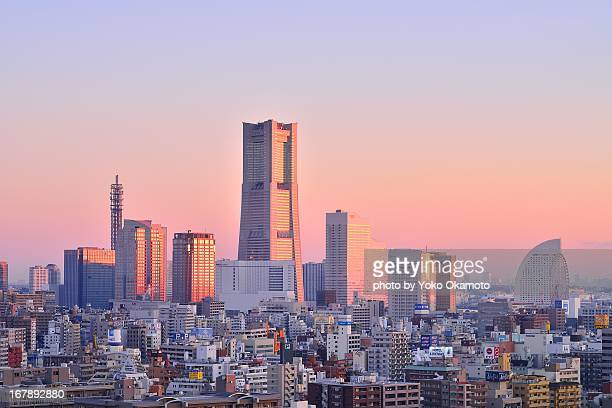just before the sunrise - yokohama stock pictures, royalty-free photos & images