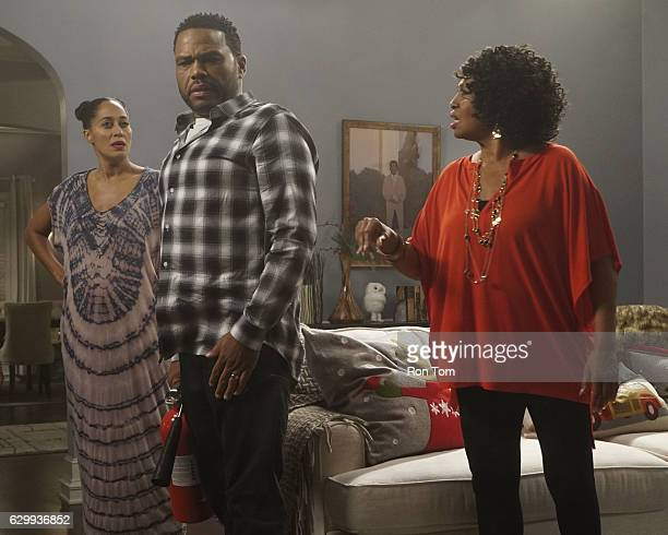 ISH 'Just Christmas Baby' Zoey is collegebound so Dre sets out to create the best family Christmas ever even having Johan and his best friend Gigi...