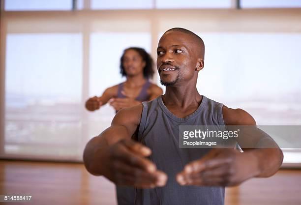 suivez mon initiative. - dancing photos et images de collection