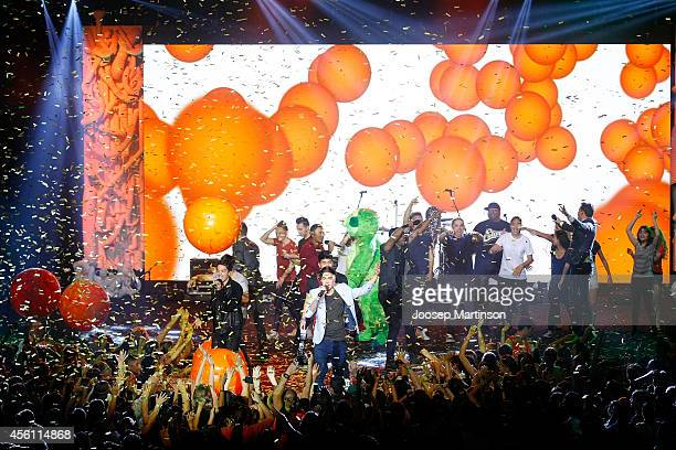 Justice Crew perform at the end of the Nickelodeon Slimefest 2014 matinee show at Sydney Olympic Park Sports Centre on September 26 2014 in Sydney...