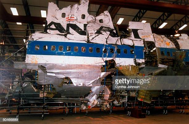 Justice Dept reconstruction of 1988 terrorist bombblasted Pan Am flight 103 plane re indictment of 2 Libyans in fatal bombing over Lockerbie Scotland
