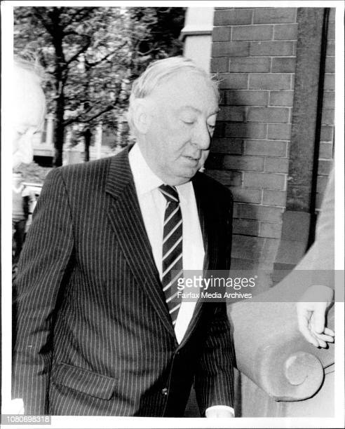 Justice Lionel Murphy arrives at court today August 23 1985