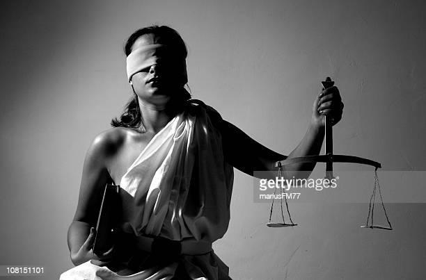 giustizia-serie con varie situazioni - donna bendata foto e immagini stock