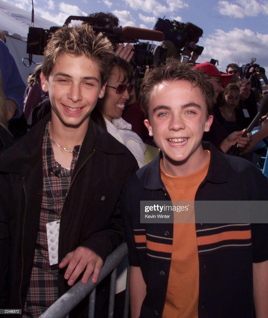 Justin Berfield and Frankie Muniz at Nickelodeon's 14th ...
