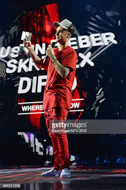Justin Bieber accepts the award for Best Collaboration on stage during the MTV EMA's 2015 at the Mediolanum Forum on October 25 2015 in Milan Italy