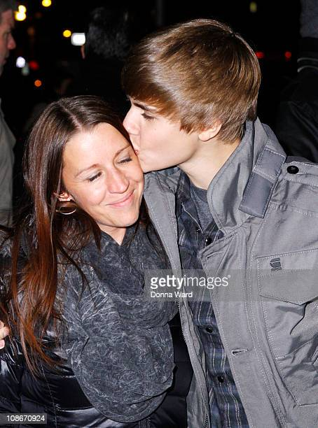Justin Bieber and mother Pattie Mallette visit 'Late Show With David Letterman' at the Ed Sullivan Theater on January 31 2011 in New York City