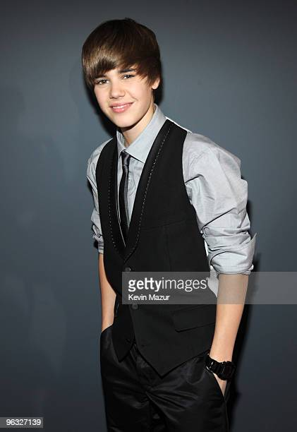 Justin Bieber arrives at the 52nd Annual GRAMMY Awards held at Staples Center on January 31, 2010 in Los Angeles, California.