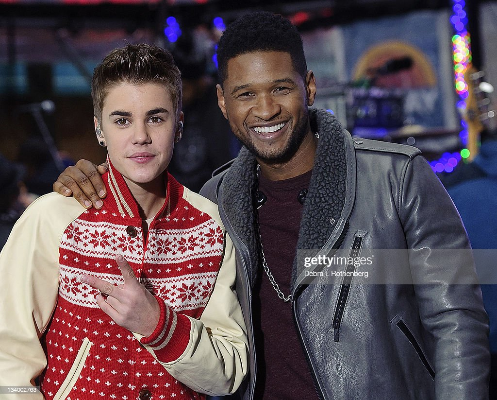 """Justin Bieber Performs On NBC's """"Today"""" - November 23, 2011 : News Photo"""
