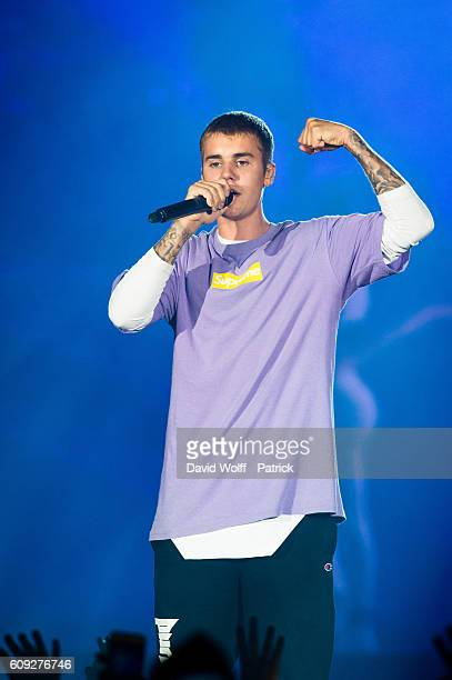 Justin Bieber performs at AccorHotels Arena Popb Paris Bercy on September 20 2016 in Paris France