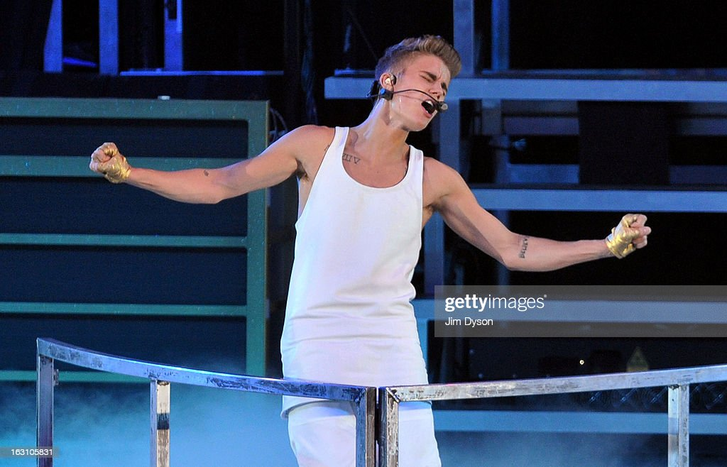 Justin Bieber Performs At The 02 Arena : News Photo