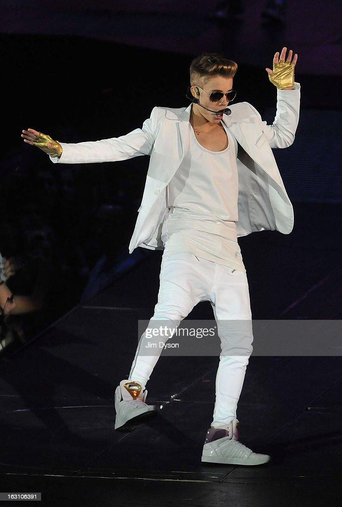 Justin Bieber Performs At The 02 Arena : Foto di attualità