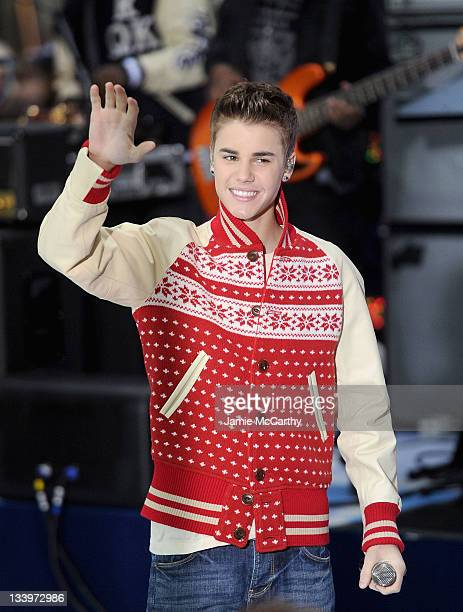 """Justin Bieber performs on NBC's """"Today"""" at TODAY Plaza on November 23, 2011 in New York City."""