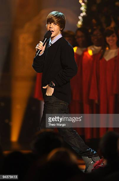 Justin Bieber performs onstage during TNT's 'Christmas in Washington 2009' at the National Building Museum on December 13 2009 in Washington DC...