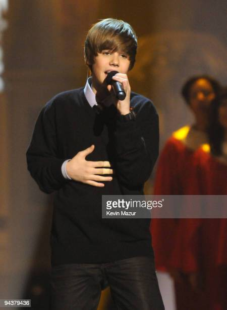 Justin Bieber performs onstage during TNT's Christmas in Washington 2009 at the National Building Museum on December 13 2009 in Washington DC...