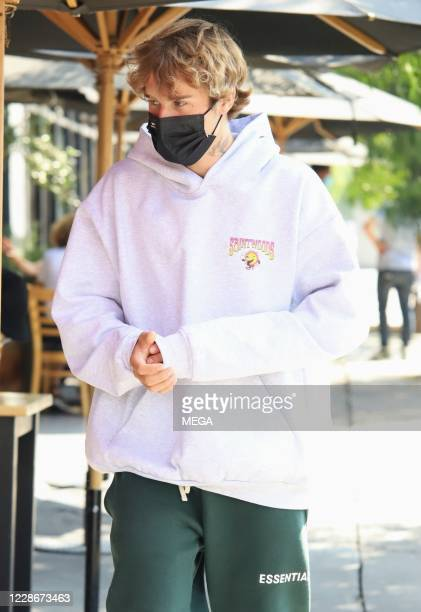 Justin Bieber seen after having brunch with Hailey Bieber on September 23 2020 in Los Angeles California