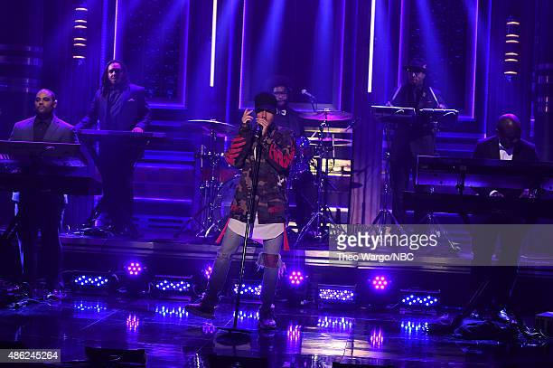 justin bieber visits the tonight show starring jimmy fallon ストック
