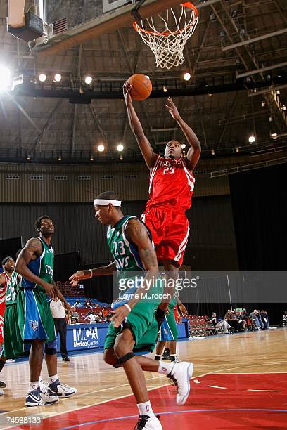 Justin Bowen of the Austin Toros lays the ball up over Jeremy Richardson of the Fort Worth Flyers during the DLeague game on April 7 2007 at the Fort...