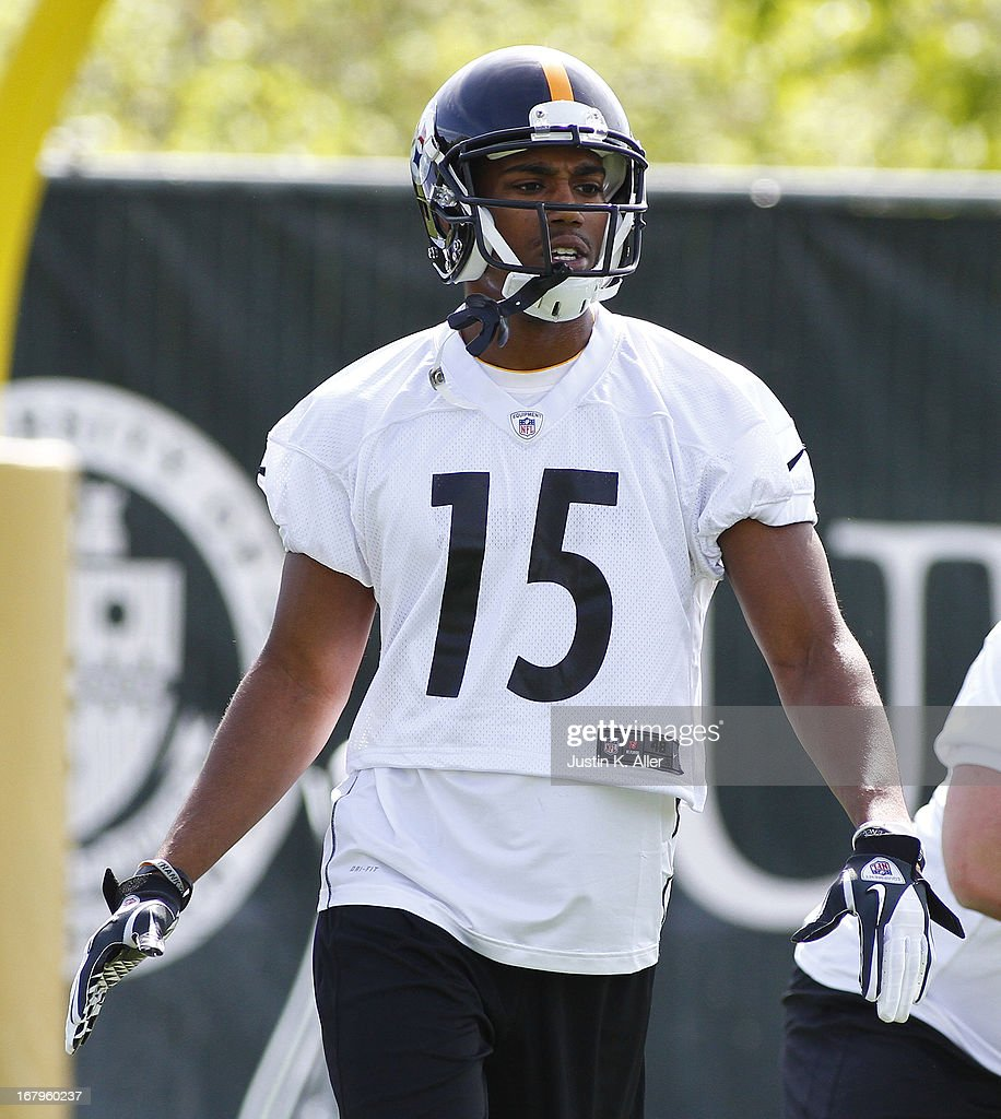 Justin Brown #15 of the Pittsburgh Steelers participates in drills during Rookie Camp on May 3, 2013 at UPMC Sports Complex in Pittsburgh, Pennsylvania.