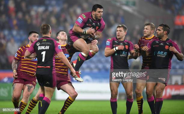 Justin Carney of Hull HR catches a high bomb during the Betfred Super League match between Huddersfield Giants and Hull Kingston Rovers at John...