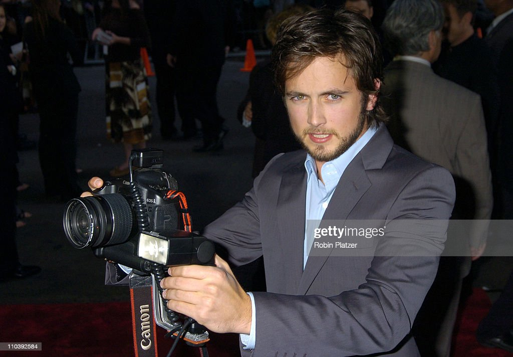 Justin Chatwin during 'War of the Worlds' New York City Premiere - Outside Arrivals at Ziegfield in New York City, New York, United States.