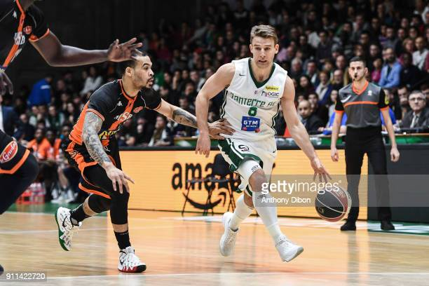 Justin Cobbs of Le Mans and Heiko Schaffartzik of Nanterre during the Pro A match between Nanterre and Le Mans on January 28 2018 in Nanterre France