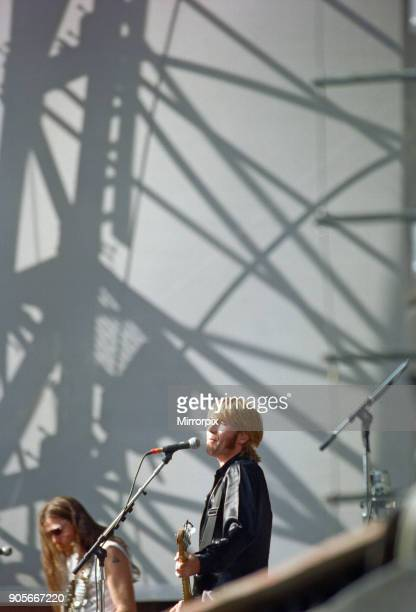 Justin Currie lead singer of the British rock group Del Amitri perform at Cardiff Arms Park Cardiff Wales on Sunday 23rd July 1995 They are opening...