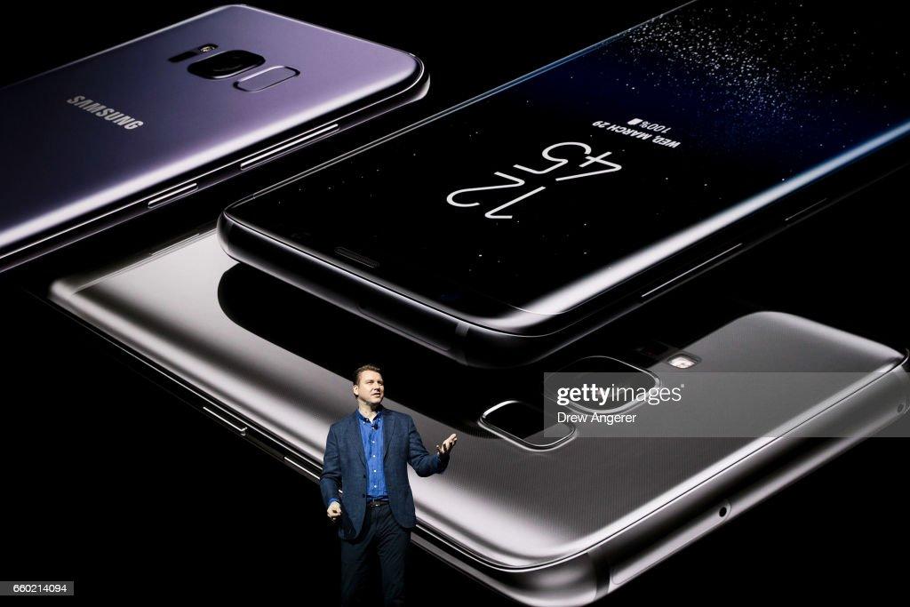 Samsung Unveils New Galaxy S8 Phone : News Photo
