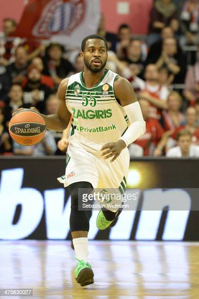 Justin Dentmon #55 of Zalgiris Kaunas in action during the 20132014 Turkish Airlines Euroleague Top 16 Date 8 game between FC Bayern Munich v...