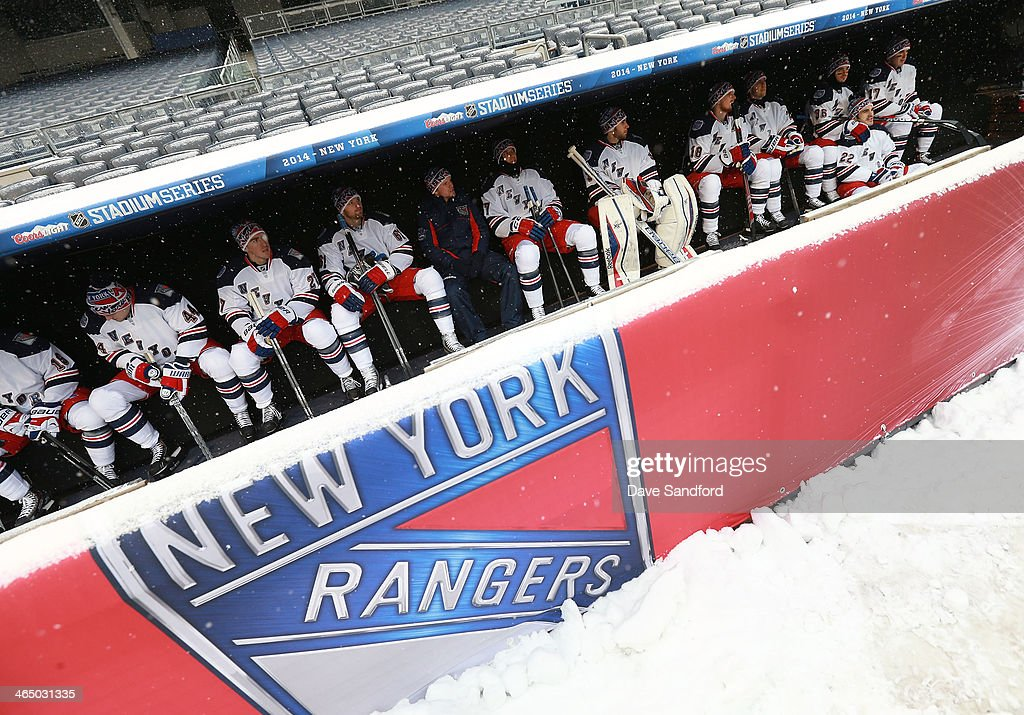 2014 NHL Stadium Series - New York - Practice Sessions And Family Skate : News Photo