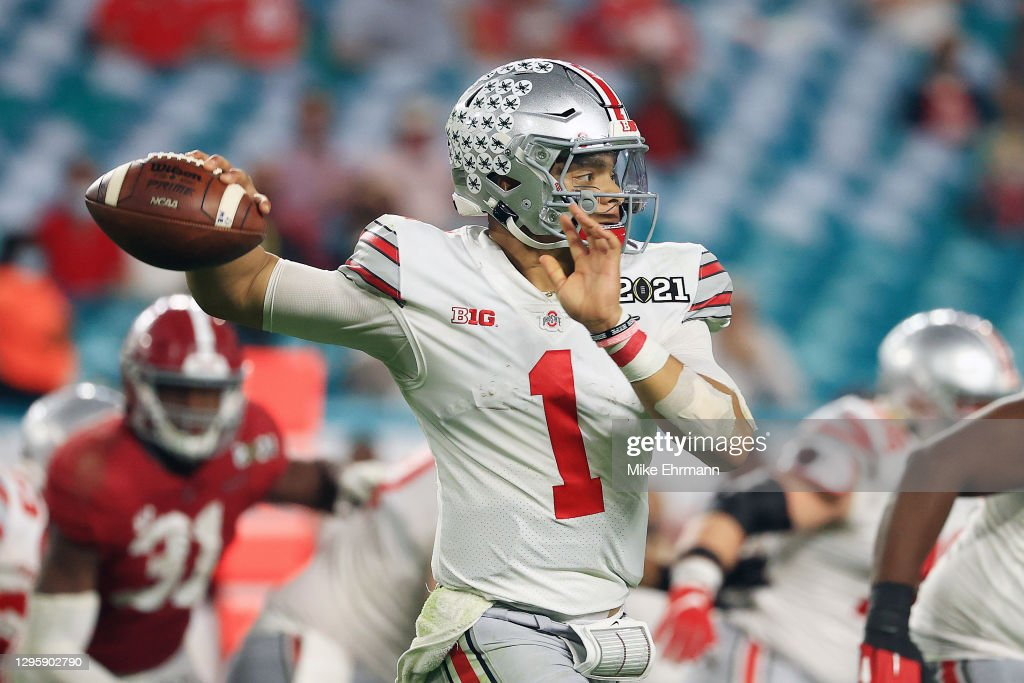 CFP National Championship Presented by AT&T - Ohio State v Alabama : News Photo
