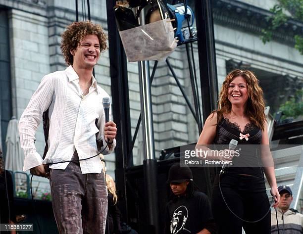Justin Guarini and Kelly Clarkson during 'Good Morning America's' 2003 Concert Series Justin Guarini and Kelly Clarkson at Bryant Park in New York...