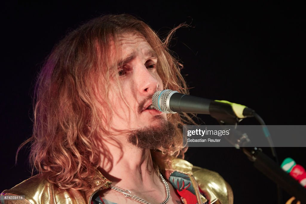 Justin Hawkins of The Darkness performs at Columbia Theater on November 14, 2017 in Berlin, Germany.