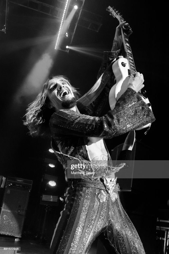 Justin Hawkins of The Darkness performs live on stage at Eventim Apollo on December 10, 2017 in London, England.