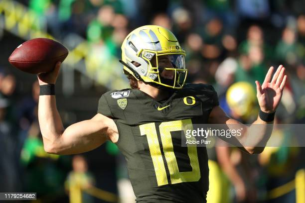 Justin Herbert of the Oregon Ducks warms up prior to taking on the California Golden Bears during their game at Autzen Stadium on October 05 2019 in...