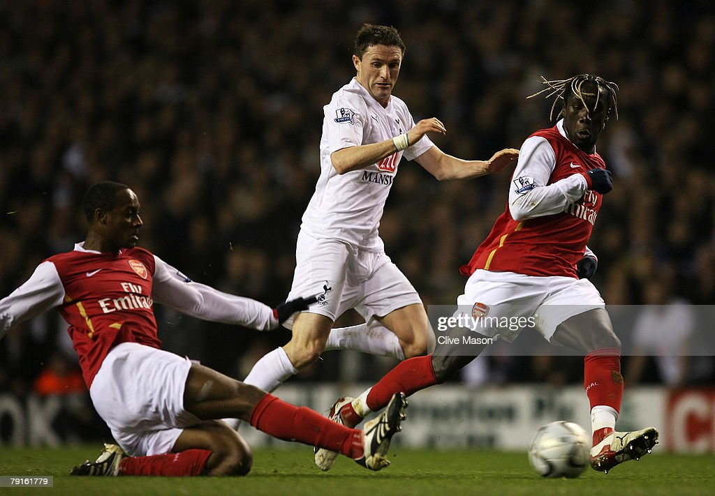 Tottenham Hotspur v Arsenal - Carling Cup Semi Final 2nd Leg : News Photo