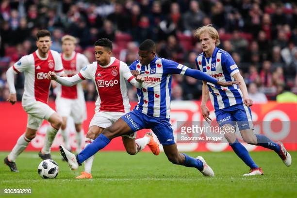 Justin Kluivert of Ajax Denzel Dumfries of SC Heerenveen Morten Thorsby of SC Heerenveen during the Dutch Eredivisie match between Ajax v SC...