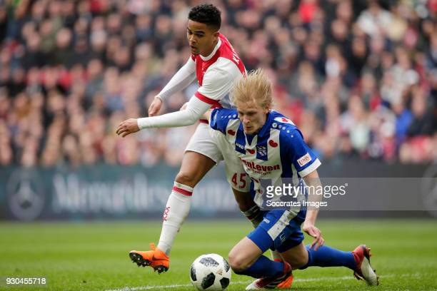 Justin Kluivert of Ajax Morten Thorsby of SC Heerenveen during the Dutch Eredivisie match between Ajax v SC Heerenveen at the Johan Cruijff Arena on...