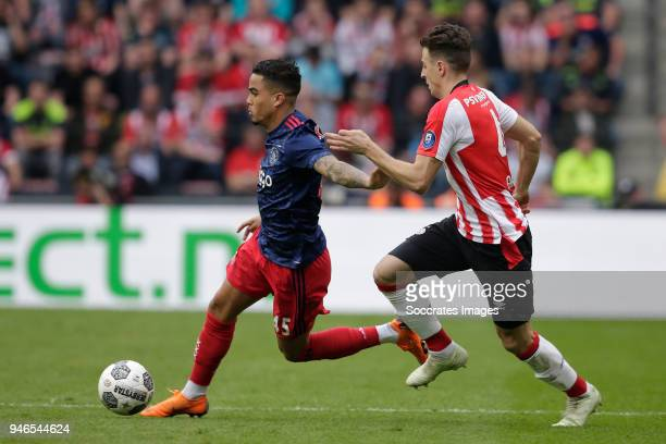 Justin Kluivert of Ajax Santiago Arias of PSV during the Dutch Eredivisie match between PSV v Ajax at the Philips Stadium on April 15 2018 in...