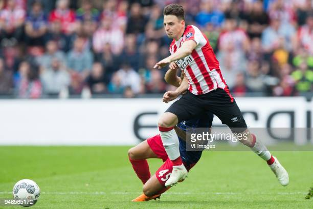 Justin Kluivert of Ajax Santiago Arias of PSV during the Dutch Eredivisie match between PSV Eindhoven and Ajax Amsterdam at the Phillips stadium on...
