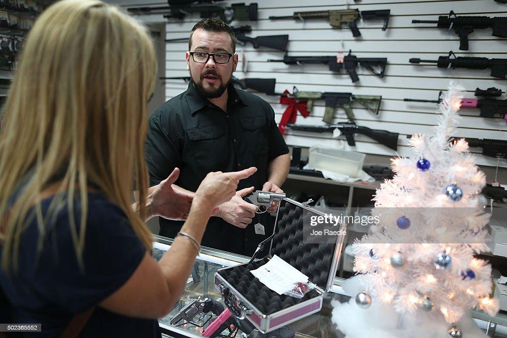 Holiday Gun Sales Soar In U.S. : News Photo