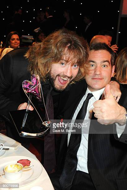 Justin Lee Collins recipient of the Television Presenter of The Year Award attends the Variety Club Showbiz Awards at the Grosvenor House on November...