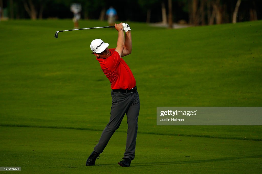 Justin Leonard of the United States hits his second shot on the 9th hole during the second round of the OHL Classic at the Mayakoba El Camaleon Golf Club on November 13, 2015 in Playa del Carmen, Mexico.