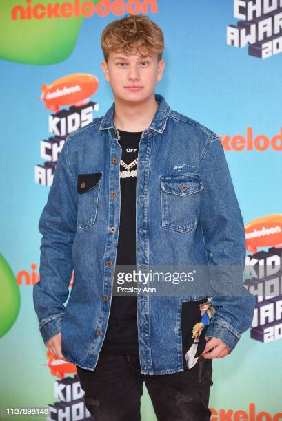 Justin Roberts attends Nickelodeon's 2019 Kids' Choice Awards at Galen Center on March 23 2019 in Los Angeles California