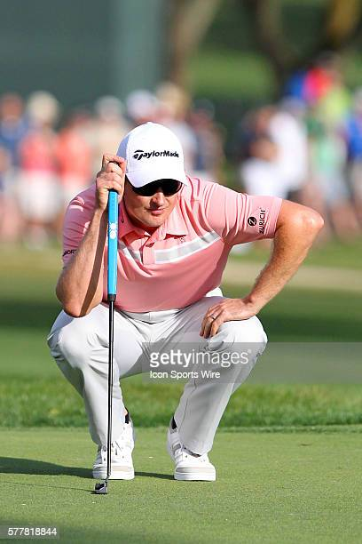 Justin Rose lines up his putt on the 72nd hole during the final round of the Valspar Championship at Innisbrook Resort - Copperhead in Palm Harbor,...