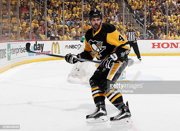 Justin Schultz of the Pittsburgh Penguins skates against the Washington Capitals in Game Four of the Eastern Conference Second Round during the 2016...