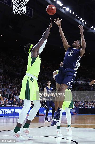 Justin Sears of the Yale Bulldogs shoots the ball in the first half against the Baylor Bears during the first round of the 2016 NCAA Men's Basketball...