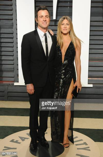Justin Theroux and Jennifer Aniston arrive at the 2017 Vanity Fair Oscar Party Hosted By Graydon Carter at Wallis Annenberg Center for the Performing...